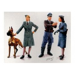 "WOMEN AT WAR"" 1/35"