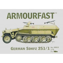 GERMAN SDKFZ 251/1 1/72