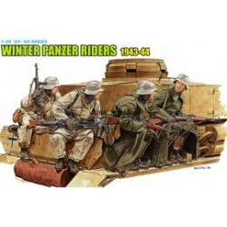 Winter tank riders 43-44 1/35