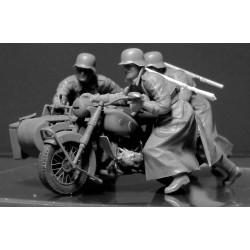 GERMAN MOTORCYCLISTS WWII 1/35