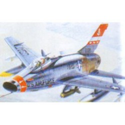 F-100 SUPER SABRE 1:72