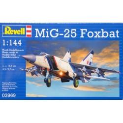 GESCHENKSET MIG-25 FOXBAT 1/144 15X10CM