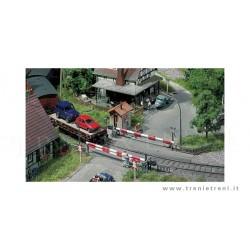 HO enkel spoorwegovergang met huisjes 19x16x5cm