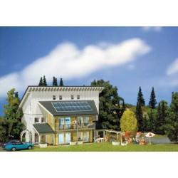 HO woonhuis met zonnepanelen 20x20x12cm