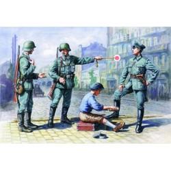 GERMAN PATROL '39/42 1/35