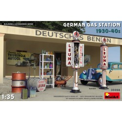 GERMAN GAS STATION 1930-40 1/35