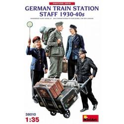 GERMAN TRAIN STATION STAFF 1930-40