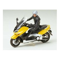 YAMAHA TMAX WITH RIDER FIGURE 1/24