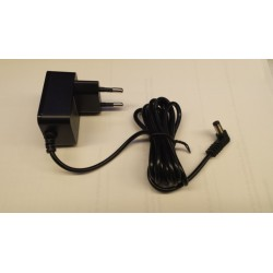 5v adapter 1000mA in stekkerbehuizng 2,1x5,5mm plug