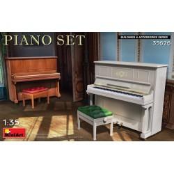 2x PIANO 1/35